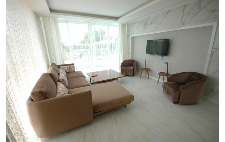 Luxury villas for rent in Ladies Beach