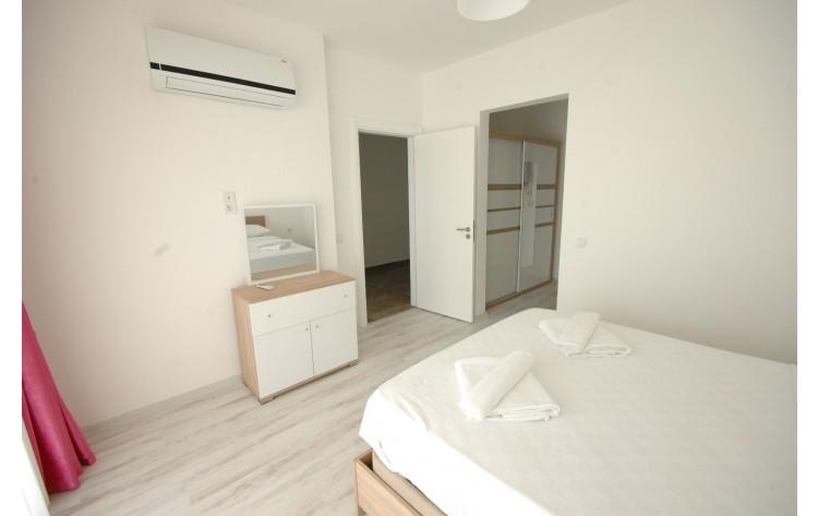 Luxury villa for rent in Long Beach