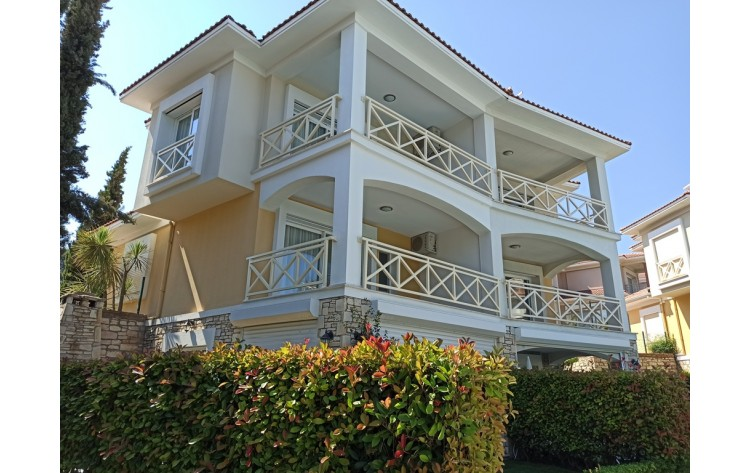Summer home with seaviews